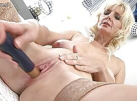 Gorgeous mature mom
